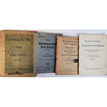 LOT DE 4 MANUELS WEHRMACHT 1939-1945